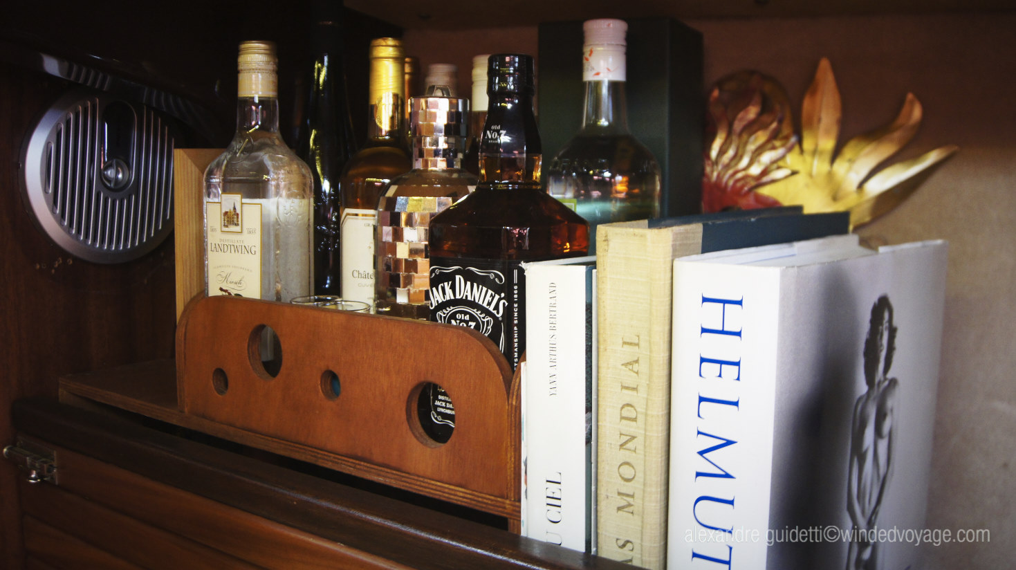 Interior of Galopin, Library Bar