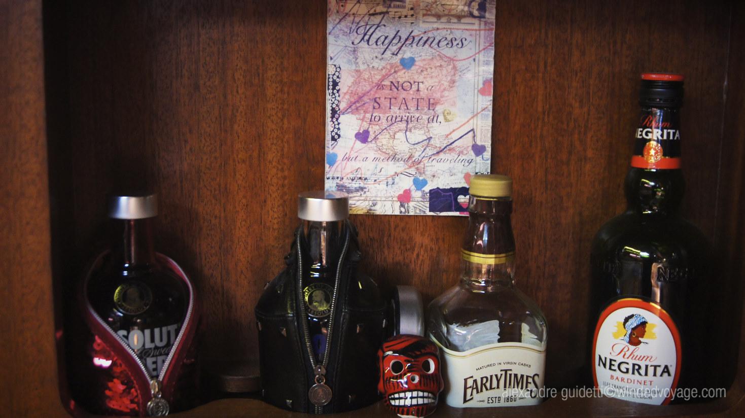 Interior of Galopin day bar